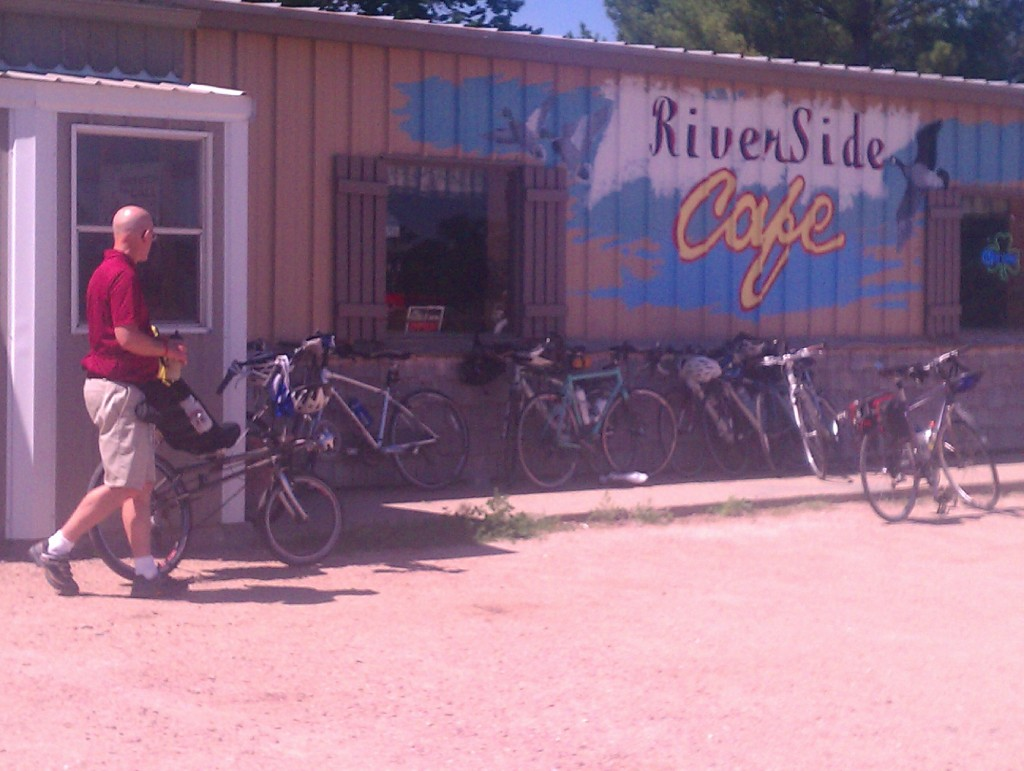 Designated lunch spot outside of Niobrara.  I was hot and tired, not hungry, but in retrospect should have eaten something other than a granola bar.  Did grab some ice cold water though.